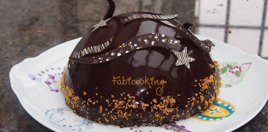 Dôme Chocolat , Bavarois Caramel et insert Poire