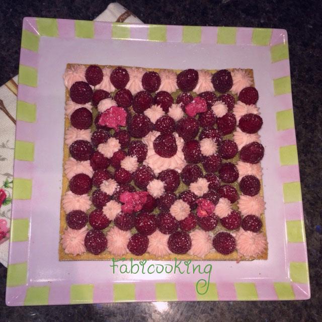 Tarte-framboises-matcha-rose