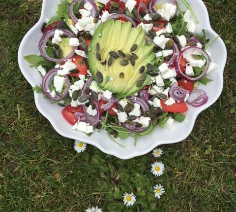 Salade d'avocat et fraises