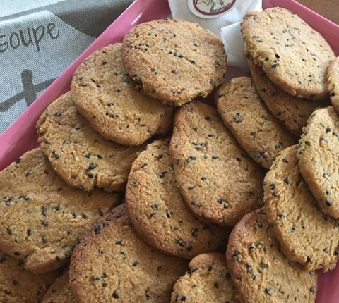 Biscuits aux deux sésames