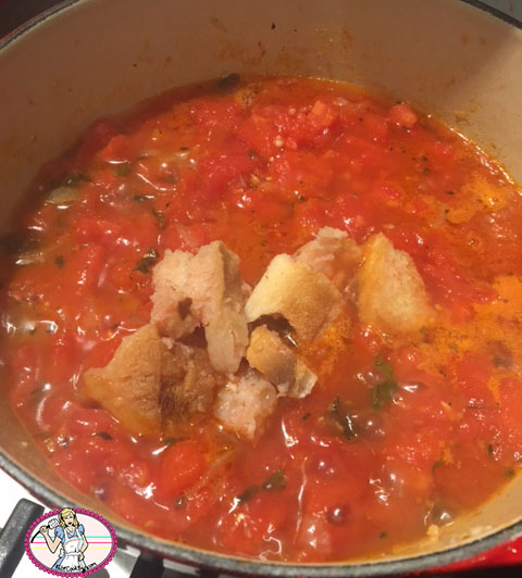 Soupe-de-pain-tomates