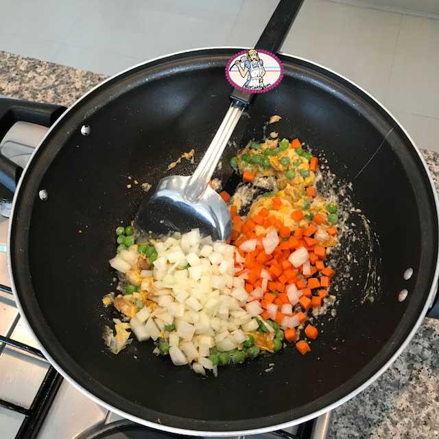 Fried-rice-ananas3
