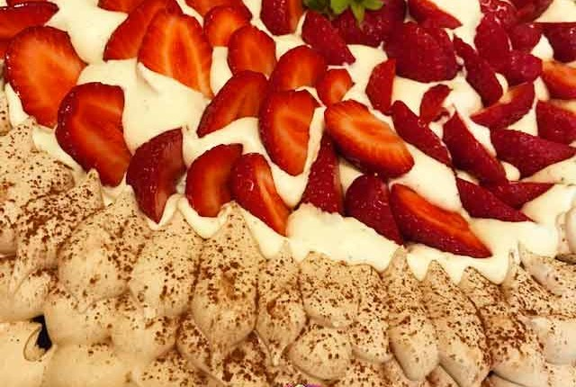 Pavlova chocolat et fraises