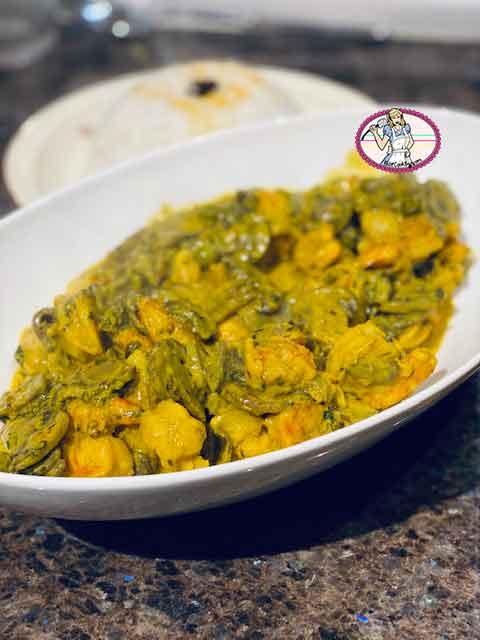 Crevettes au curry et champignons
