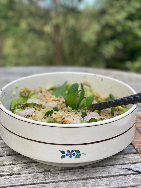 Salade fèves, artichaut, menthe au miso