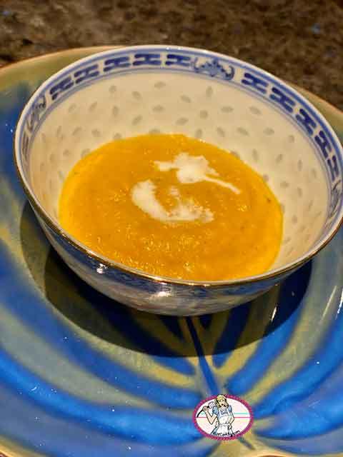 Velouté au butternut et lait de coco