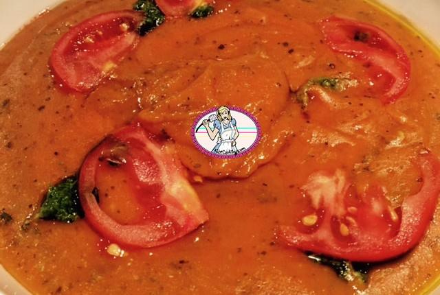 Soupe de pain à la tomate
